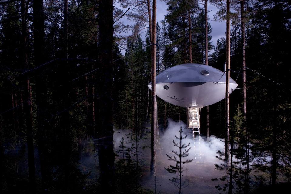 هتل درختی ufo